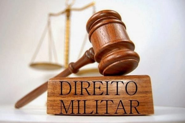 Crime militar de folga